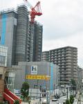 マンション開発が進む小田急相模原駅前