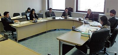 市議会が初の意見交換会