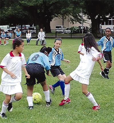 サッカーで国際交流