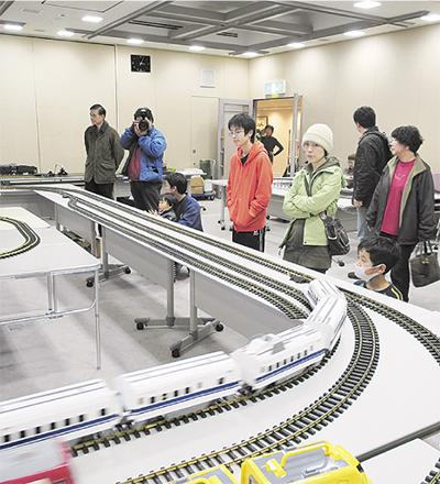 大型鉄道模型を運転
