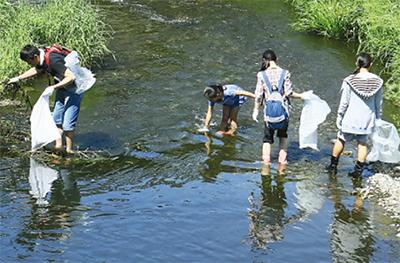 目久尻川を大掃除