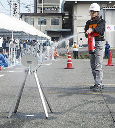 初期消火技術競う