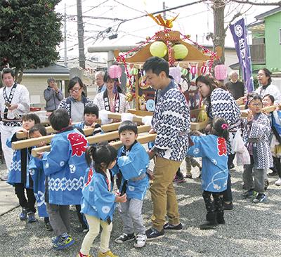 山王神社で春の祭礼