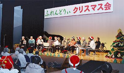 クリスマスムード高まる