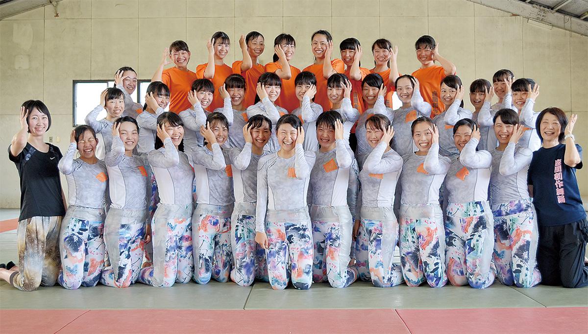 日本一をめざす座間高創作舞踊部