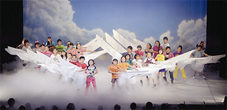 子どもたちの夢をテーマにした「ドリーム・ドリーム・ドリーム」の一幕