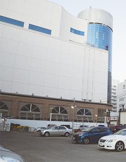 旧パルコ近隣の大型駐車場が今日閉鎖予定