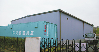 完成間近の防災備蓄倉庫