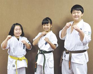 全国に挑む(右から)飯田君、飛田さん、諏訪本さん