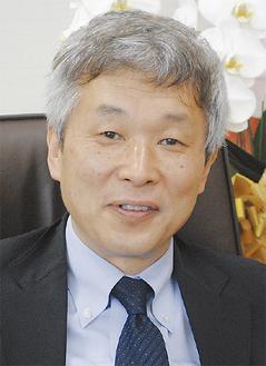 〈略歴〉福井県出身。京都大学工学部卒業後、前田建設工業(株)に入社。技術研究所で振動や風工学を研究し、1996年に東京大学博士号を取得。2004年に東京工芸大学教授。14年から工学部長、風工学研究センター長。趣味はドライブで愛車はロードスター。町田市在住。