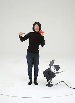 収録を行ったスタジオで山田さんが「アッポーペン」ポーズ