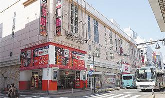 設置が計画されている中町の第二会田ビル。1階はパチンコ店。2階部分に計画されている。