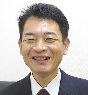 笑顔がすてきな前島さん。センターの相談窓口は、前島さんの法律事務所内に置かれている
