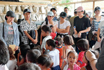 7月29日〜8月1日まで研修に訪れたマニラで現地の子どもたちと交流。貧困問題を目の当たりにした2人は「想像していた以上だった」と口を揃えた