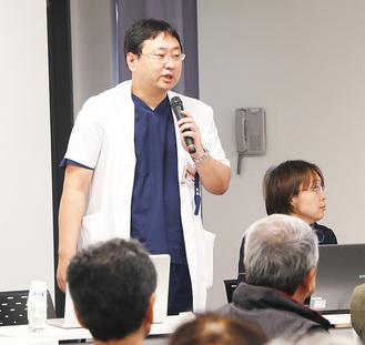 講演する神山医師