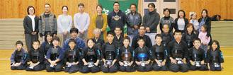 厚木剣道クラブの会員と保護者