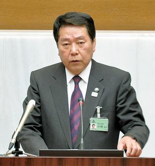 施政方針を述べる小林市長