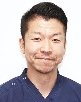 整形外科の中正剛医師。休日はアクティブに動き、旅行も好きな行動派。最近は和の再発見ができる京都がお気に入り。