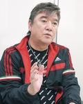 母の思い出を語る小金沢昇司さん