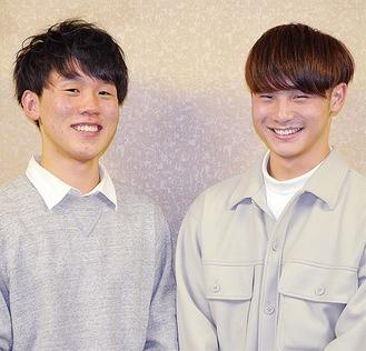 愛川町成人式第1部実行委員長の阿部将弥さん(右)と第2部実行委員長の谷龍介さん。共に将来の夢である看護師を目指し、大学で勉強中
