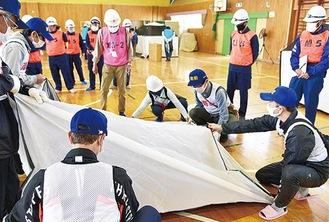 避難所設置運営訓練の様子