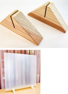 県産木材で作ったスタンド(上)、アクリル板を差し込んだイメージ
