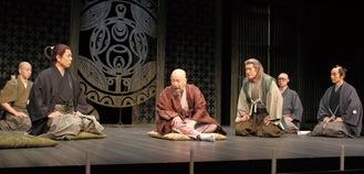 劇団扉座の9人のオリジナルメンバーが魅せた圧巻のセリフ劇
