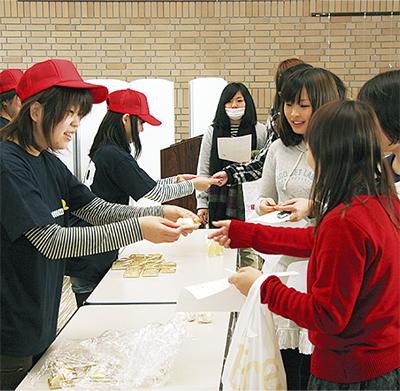 学生の視点で洋菓子考案
