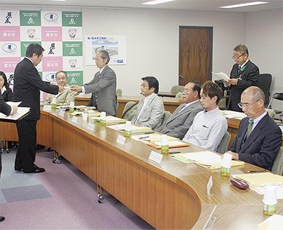 検討委員会が初会議