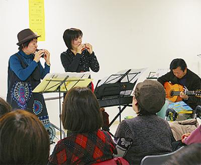 新春ライブに歓声