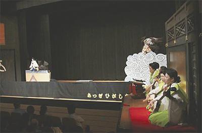 節目の自主公演が大盛況