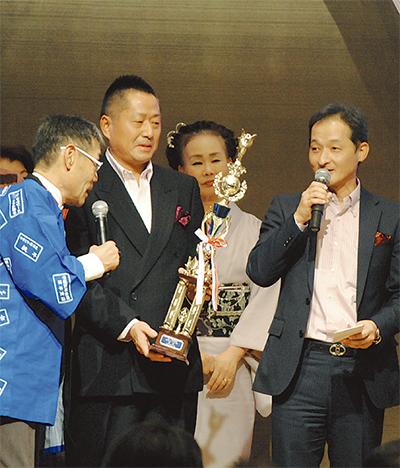 松山・川島デュオが年間王者(チャンピオン)