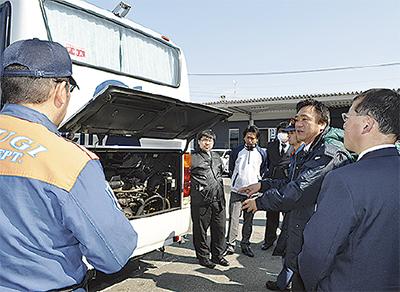 バス事故に備え訓練