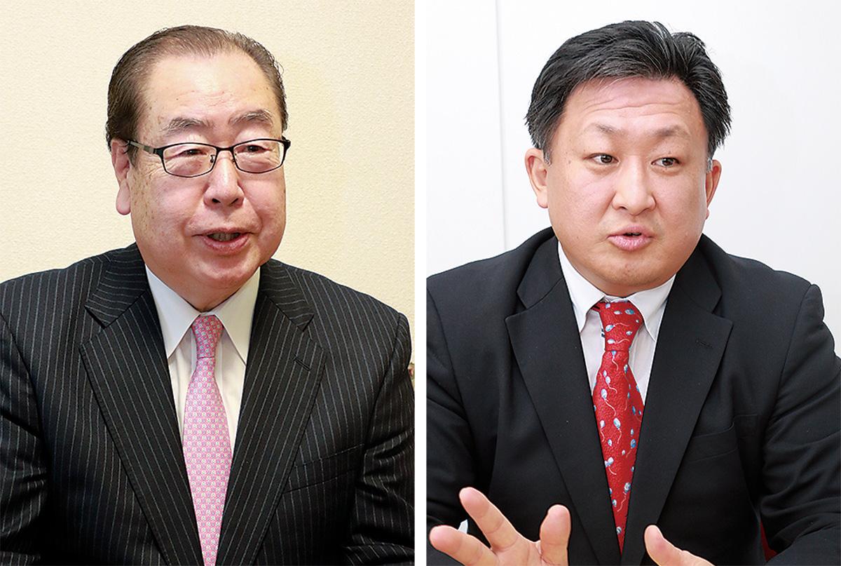 市長選に向けて、本紙の取材に立候補の意向を表明する佐藤氏(右)と石射氏=12月25日