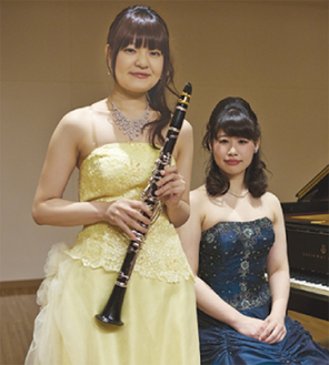 橋本尚美さん(左)と長谷実怜さん(右)