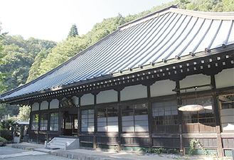 改修前の本堂(2016年10月撮影)
