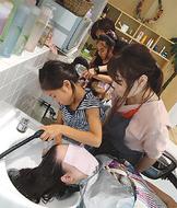 子どもが美容師体験