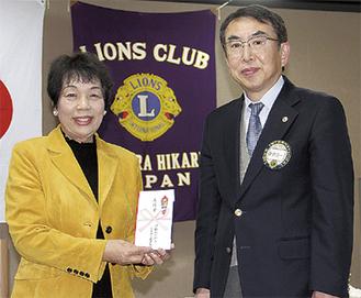 新倉会長(右)と中台さん