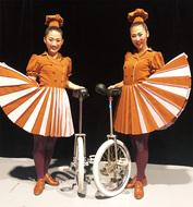 「夢の舞台」で一輪車披露