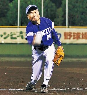 チーム最年長の堀井さん。投手としていつも先発を務めている