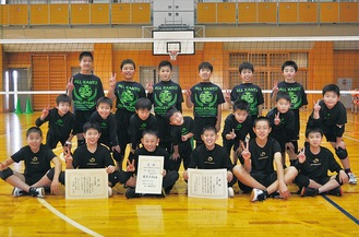 準優勝した石田JVCのメンバー