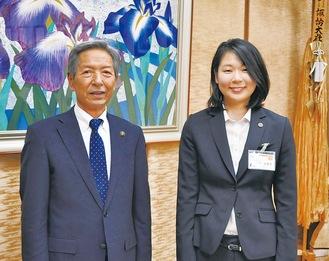 船木さん(右)と高山市長