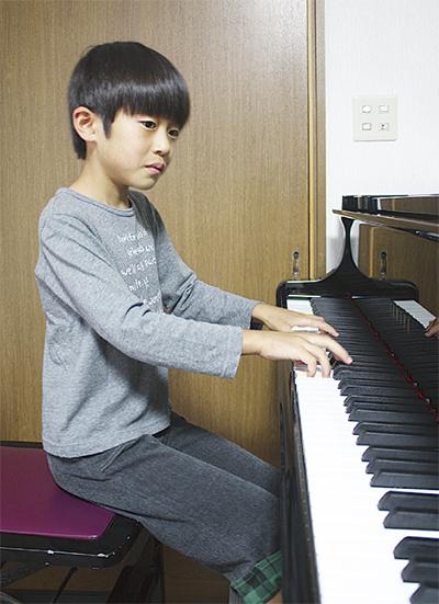 夢追う小さなピアニスト