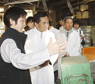 知事が石田牧場を視察