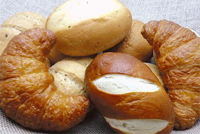 ランチタイムに「パン食べ放題」