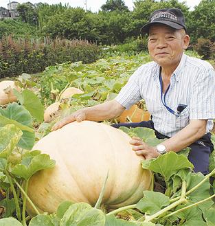 「これまでで一番大きいかも」と笑顔を見せる山田さん