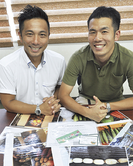 中島賢太社長(左)と社員の広賀剛さん