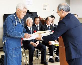 神奈川県知事賞を受賞した山田守一さん
