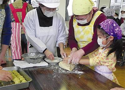 綾瀬のおやつ作る