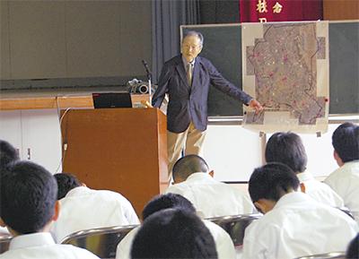 地域の「博士」が授業